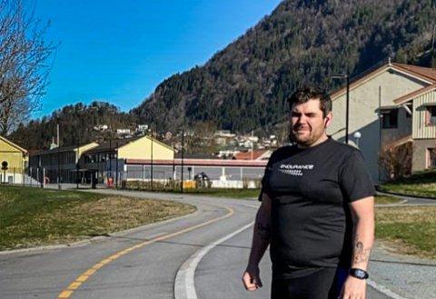 LAGA EIGE LØP: Espen Kirketeig og kompisane sprang halvmaraton trass i avlyst arrangement.