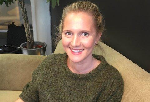 GLAD: Kristine Slettehaug er fornøgd med at tunnel mellom Naustdal og Førde er med i Nasjonal transportplan.