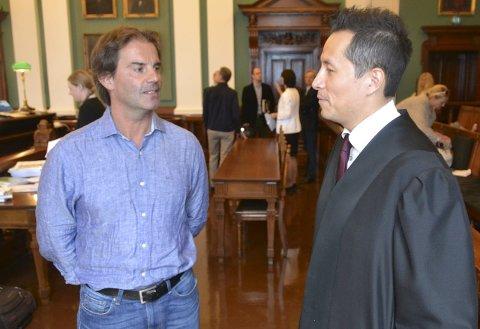Fornøyd: Morgan Andersen og advokat Carl Bore snakket hyppig sammen i pausene under den avsluttende dagen i Høyesterett.