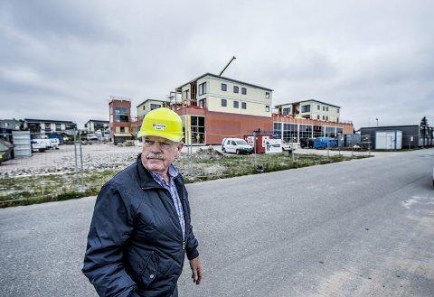 Arild Åserud: Nå utvikler han Østsiden Storsenter, som får butikker på gatenivå og leiligheter på toppen. Ved siden av, opp mot rundkjøringen, vil han bygge Østsiden Helsesenter med alt fra leger til spa og treningsstudio.  foto. geir a Carlsson