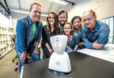 Samarbeid: Da AV1 ble utviklet fikk hele teamet i Snø Designstudio bidratt med sin spisskompetanse. F.v. Vidar Pedersen, Camilla Simonsen, Stian Andersen, Marita Lund Koppang, Yi Zeng og Jonas Jacobsen.
