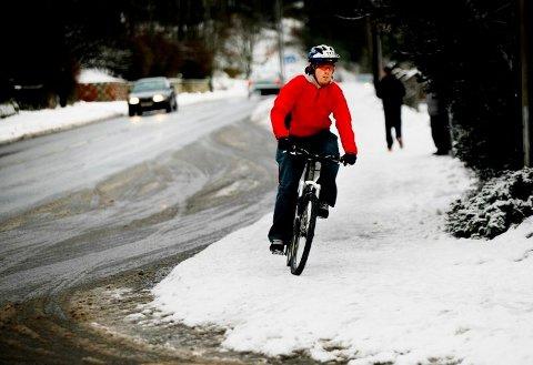 PÅ TOPP: Fredrikstad troner på toppen over antall syklister som sykler på vinteren i en spørreundersøkelse som er utført i 18 sykkelbykommuner.