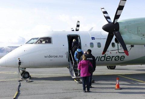 Ett år igjen: Narvik lufthavn sto ferdig i 1972 Den nye flyplassen fikk konsesjon for å drifte en passasjerflyplass fra regjeringen i starten av 1972 og teknisk godkjenning fra Luftfartsverket ble gitt i august samme år. 31. mars neste år letter det siste flyet fra flyplassen.