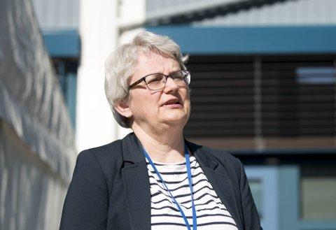 Brita Øygard, direktør for Etat for helsetjenester, ber folk om å være ekstra oppmerksomme på symptomer fremover.