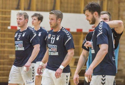 KAMPKLARE: Marius Kleiven (f.v.), Michael Jonassen, Eirik Gilje og resten av Falk skal kjempe med nebb og klør for eliteserieplassen de neste ukene.