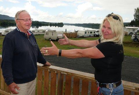 VELKOMMEN: – Fenomenal mottakelse, sier Geir Erik Gundersen. Han roser eier og driver av Støa camping, Lisbet Frisendal, opp i skyene.