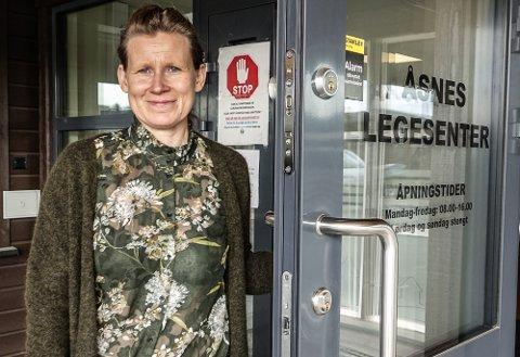 MER OPTIMISME: Kommuneovelegene i Åsnes og Våler, her Jorunn Slettli i Åsnes, er mer optimistiske etter en stor nedgang i antall smittede.