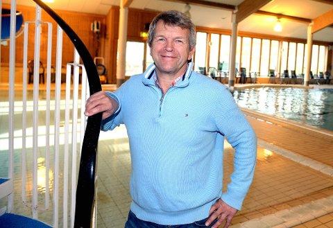 MÅTTE STENGE: Jorekstad fritidsbad og daglig leder Terje Rønning måtte stenge dørene etter et havari av en viftemotor i ventilasjonen.
