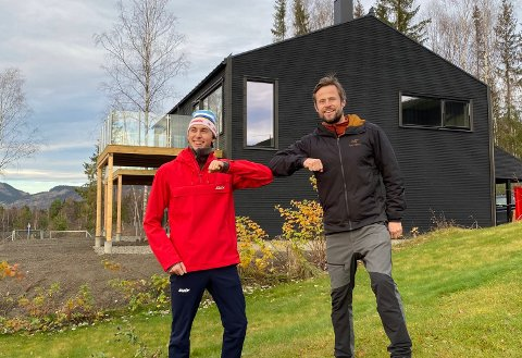 En strålende fornøyd verdensmester kunne i dag titte på sin nye bolig.