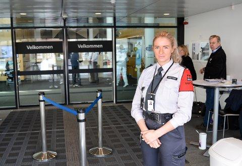 RESPEKTERES: - De aller fleste er forståelsesfulle, sier operativ leder for adgangskontroll ved Sykehuset Østfold, Anette Lundestad fra Securitas.