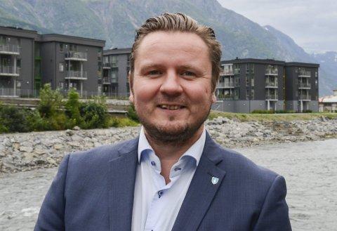 En av to: leder i Ullensvang Høyre, Erlend Nævdal Bolstad (H), er en av to oddinger som skal delta på Høyres landsmøte.