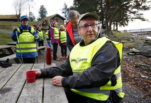 Karmøy 061118 Tjukkas gjengen på tur på Bukkøy Svein Nordstrøm  Foto:  Harald Nordbakken