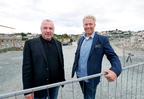 ATTRAKTIVT PÅ NORHEIM: Både Rolf Viksund og John Gilbert Helgeland mener det er attraktivt å bygge og investere på Norheim. Arkivfoto.