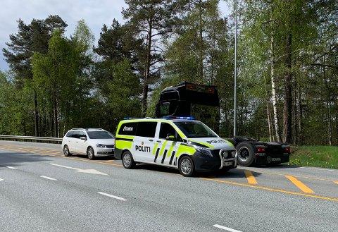 ULYKKE: Front mot front-kollisjon i Vestli-krysset på Stord. Ingen av bilene på bildet er involvert i ulykken.