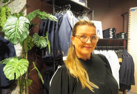GRÜNDER: Janne Mathisen driver også en klesbutikk i Honningsvåg som heter Topp til Tå. Nå åpner hun sin andre butikk, Gøts i Alta.