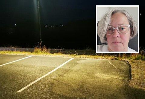 HJØRNE: I dette hjørnet parkerte Tiina Kylmä bilen sin da hun ankom sykehuset tirsdag for sin kveldsvakt. For at parkeringen skulle vært lovlig, måtte hun ha plassert bilen innenfor to hvite linjer, ikke bare en.