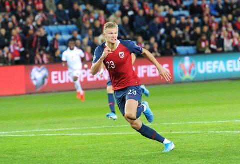 I GJEVT SELSKAP: Erling Braut Haaland er med i en svært prestisjetung kåring om å bli årets unge fotballspiller i Europa.