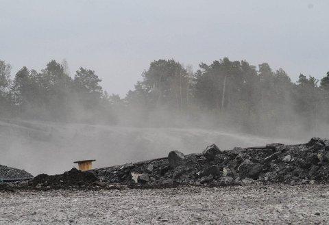 SPRENGING: Mange innbyggere i Holmestrand meldte om kraftige rystelser etter smellen på Langøya.