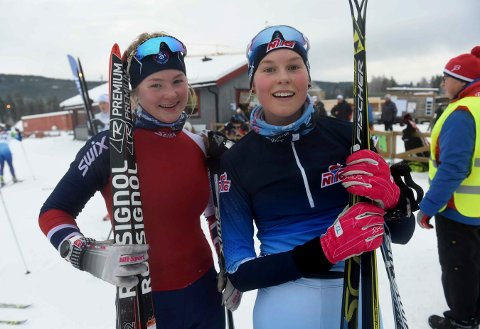 BEST: Klassevenninnene Hedda T. Bolstad (t.v.) og Frida T. Dokken tok gull og sølv på NM-fellesstarten.