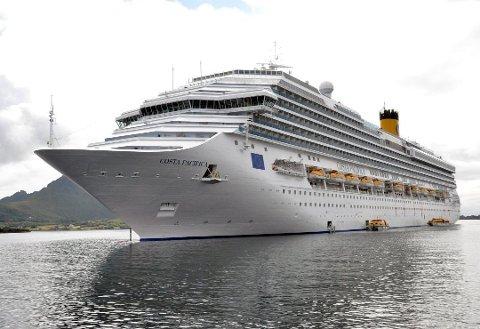 LOFOT-CRUISE: Lofoten Cruise Nettverk og Destination Lofoten skal stake ut kursen for cruiseskiputviklingen i Lofoten. Foto: Kai Nikolaisen