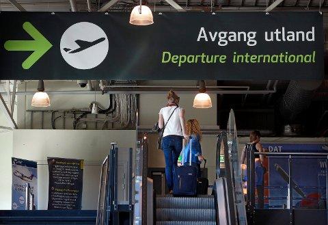 IKKE AVKLART: Det er ennå helt uklart hvem som skal overta eierskapet av flyplassen på Rygge.