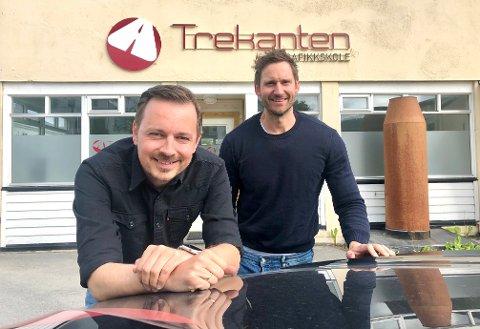 UTVIDER VIRKSOMHETEN: Bent Are Hanssen (til venstre) og Philip Gyllenkors i Trekanten trafikkskole etablerer seg på Rørvik til høsten.