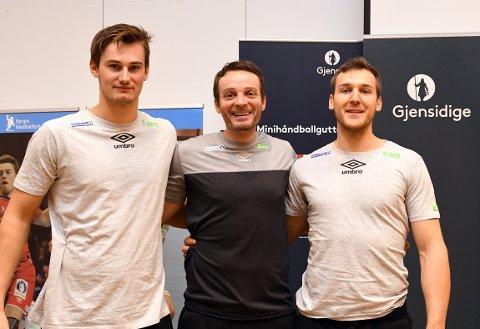 FORNØYD TRIO: Magnus Abelvik Rød og Christian O'Sullivan er begge klar for VM i Frankrike. Landslagstrener Christian Berge har tro på et bra mesterskap av duoen.
