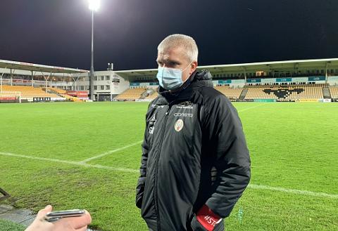 FRUSTRERT: TIL og Gaute Helstrup tapte toppkampen mot Lillestrøm. Etter kampen sa Helstrup sin klare mening om LSK-spiller Espen Garnås.