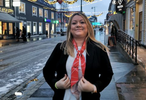 CHARTERREISER: Carina Sørensen og reisebyrået Ticket har opplevd kraftig økning i salg av pakkereiser sammenlignet med store deler av 2020.