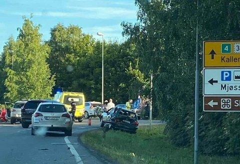 Fire biler kolliderte i hverandre på rv 4 torsdag ettermiddag.