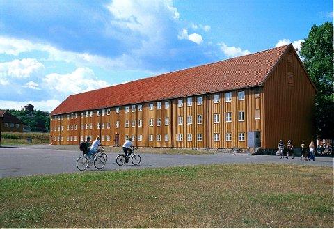 Mannskapsbrakka er vurdert som Norges største trebygning i volum.