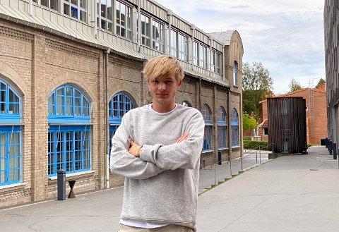 AMBISIØS: Iver Alexey Zaitzow Mikaelsen fra Stavern vet hva han ønsker å jobbe med, og legger mye i potten for oppnå nettopp dette.