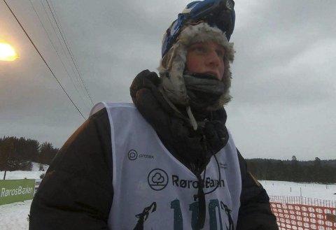 KANONDEBUT: Sondre Hovindsveen Løvstad trosset tøffe værforhold og kjørte inn til en 5. plass på 400-kilometeren i sin debut i Femundløpet.