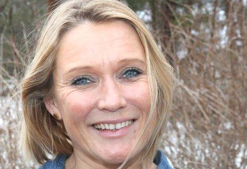 Cecilie Grenager leter etter dem over 65 år på Tjøme som har lyst til å møte andre og være med på noe sosialt.