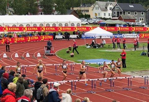 Finale 100 m hekk: Magdeli Støten (nummer to fra venstre) tok en 5. plass i  friidretts-NM i Byrkjelo søndag.