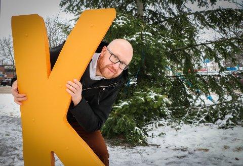 PÅ PLASS: Isak Anderssen (46) gleder seg til å bli kjent med Rakkestad og rakstinger.