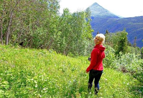 ALLE SKAL SE: Fra alle domene Merethe Falkum Lien i selskapet Tracks of Telemark vil sette opp, skal det være panoramautsikt mot Gaustatoppen.