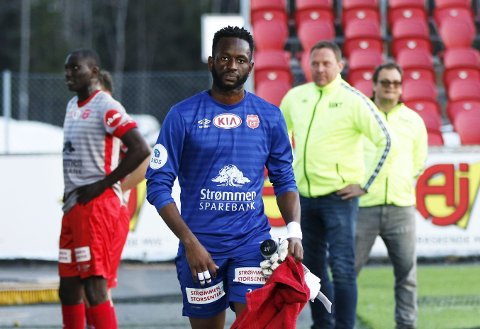 MARERITT: Strømmen-keeper Oumar Diaby slapp inn fem mål på elleve minutter i Sogndal. Til pause ble han byttet ut.