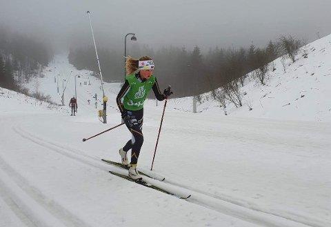 I TOPPEN: Hedvig Doksrød viste at hun er blant landets aller beste 13-åringer på ski da hun gikk to meget gode løp i Holmenkollen.