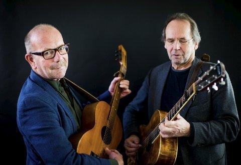 RUSTNE: Jonas Fjeld og Ole Paus byr på musikk ispedd mye humor på Sarpsborg scene.