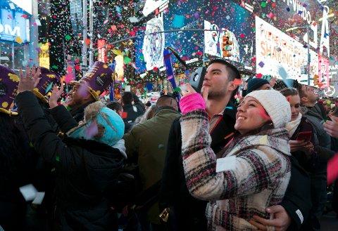 Flere enn før drar til utlandet på ferie, og gjerne til en storby. Her fra Times Square i New York.