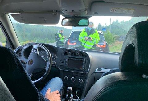 KONTROLL: Politiet sjekket farten på Meheia i kveld - og det var det all grunn til.