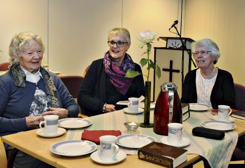 Ingrid Strand (fra venstre), misjonskonsulent i NMS, Janne Bjune og Tone Skotheimsvik klar for møte i Den Indre Misjons lokaler i Langveien 19. (Foto: Eilif Odde)