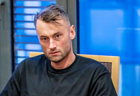 Petter Northug ble stoppet i 168 km/t i en 110-sone på E6. Han mistenkes for kjøring i ruspåvirket tilstand, og hjemme hos ham ble det funnet kokain.