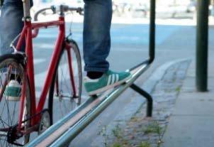 KJEKT MENS DU VENTER: Et av strakstiltakene i bypakka er en fothviler som du kan sette foten på mens dyu venetr på grønt i Mammutkrysset. Da slipper du å gå av sykkelen.