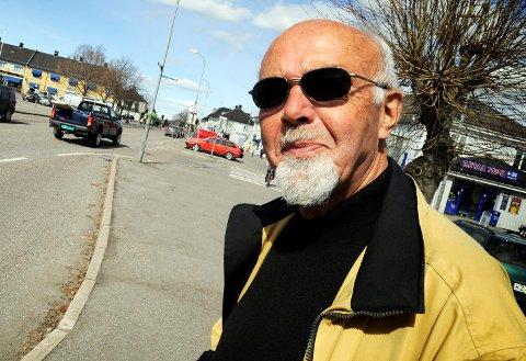 Thor Asgeir Johannessen peker på at det er for mye ensomhet i eldreomsorgen.