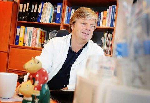 FÆRRE SØKER: Leder Tom Ole Øren i Norsk allmennlegeforening ser en rekrutteringssvikt blant norske fastleger. Han er opptatt av at fastlegeordningen styrkes.