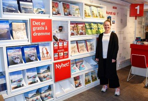 NÆRMER SEG: Daglig leder Elisabeth Eldevik Malm i Ticket Tønsberg har tro på at det snart vil gis grønt lys for å reise til flere land i sommer som følge av det nye koronasertifikatet.