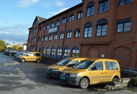 SENTRALEN: På Sagatunet på Raufoss ligger sentralen alle de ansatte i hjemmetjenesten i Vestre Toten jobber utfra. Hit flyttet de etter sammenslåinga av tjenesten i 2017.