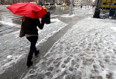SNØ OG REGN: Meteorologisk institutt har sendt ut gul farevarsel for snø. Mot helgen er det også ventet regn.